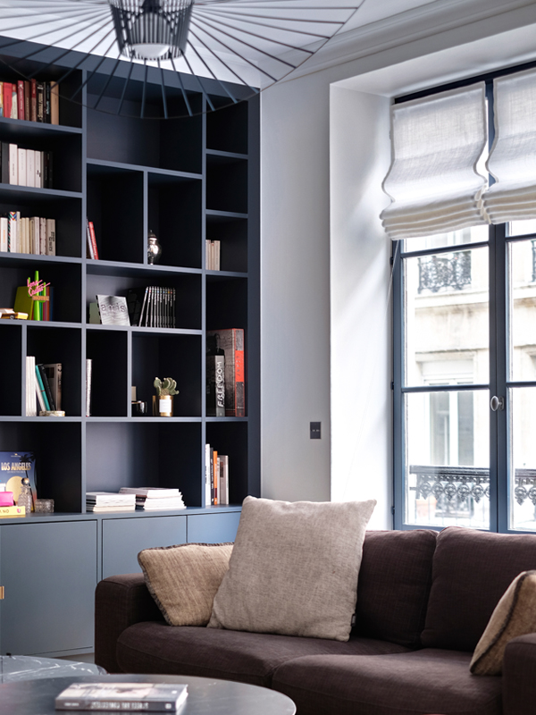 Bonne Nouvelle salon bibliothèque vue fenêtre