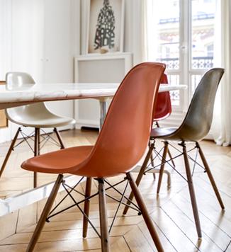 Chaises design Eames DSW vintage